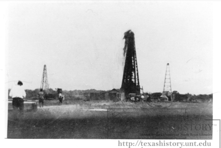 PetroliaGusher1900